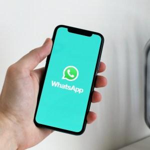 WhatsApp veut combler les blancs dans vos messages vocaux