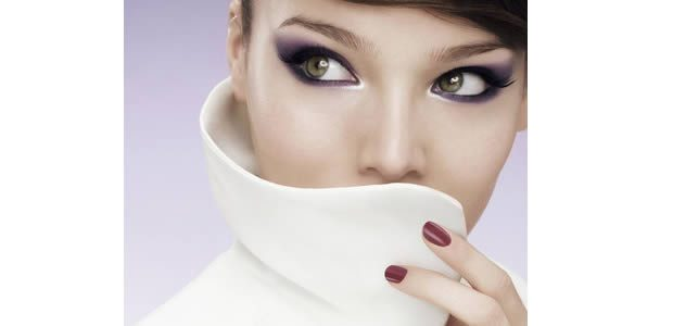 maquillage yeux violets