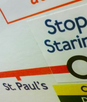 hilarants-panneaux-metro-londonien