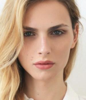 andreja-pejic-mannequin-trans-egerie-make-up-for-ever