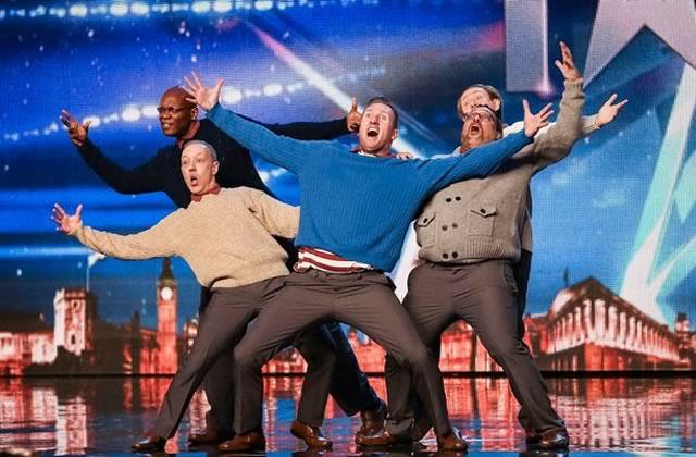 old-men-grooving-danseurs-quadragenaires