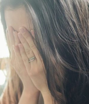 fa-barboza-unsplash sad woman