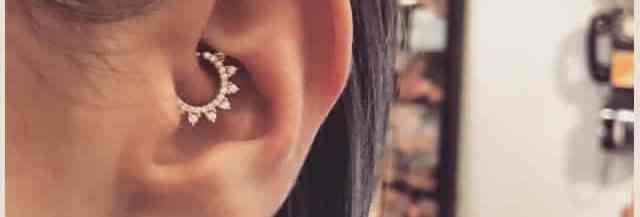tendance-piercing-oreille-daith