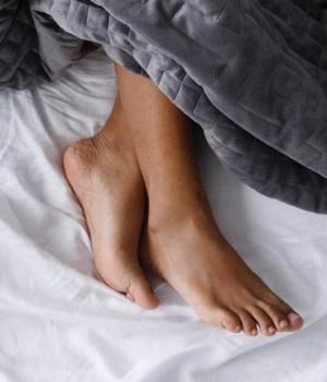 astuce-mieux-dormir-couverture-lestee