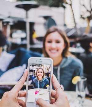 couple-smartphone-enquete
