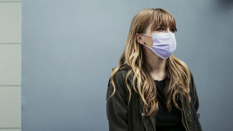 «mauvaise-haleine-masque-coronavirus»