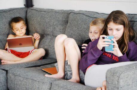 enfants-ecrans-confinement