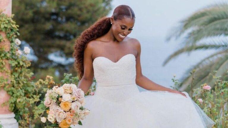 L'actrice et productrice Issa Rae dans sa robe de mariée, via son compte Instagram