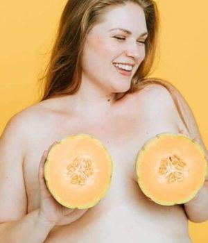femme-seins-melons-600