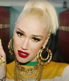 Gwen Stefani dans le clip de Slow Clap