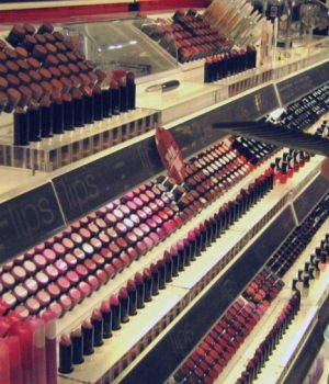 Miles_of_makeup_at_Sephora-Flickr-_Jennie_Robinson_Faber