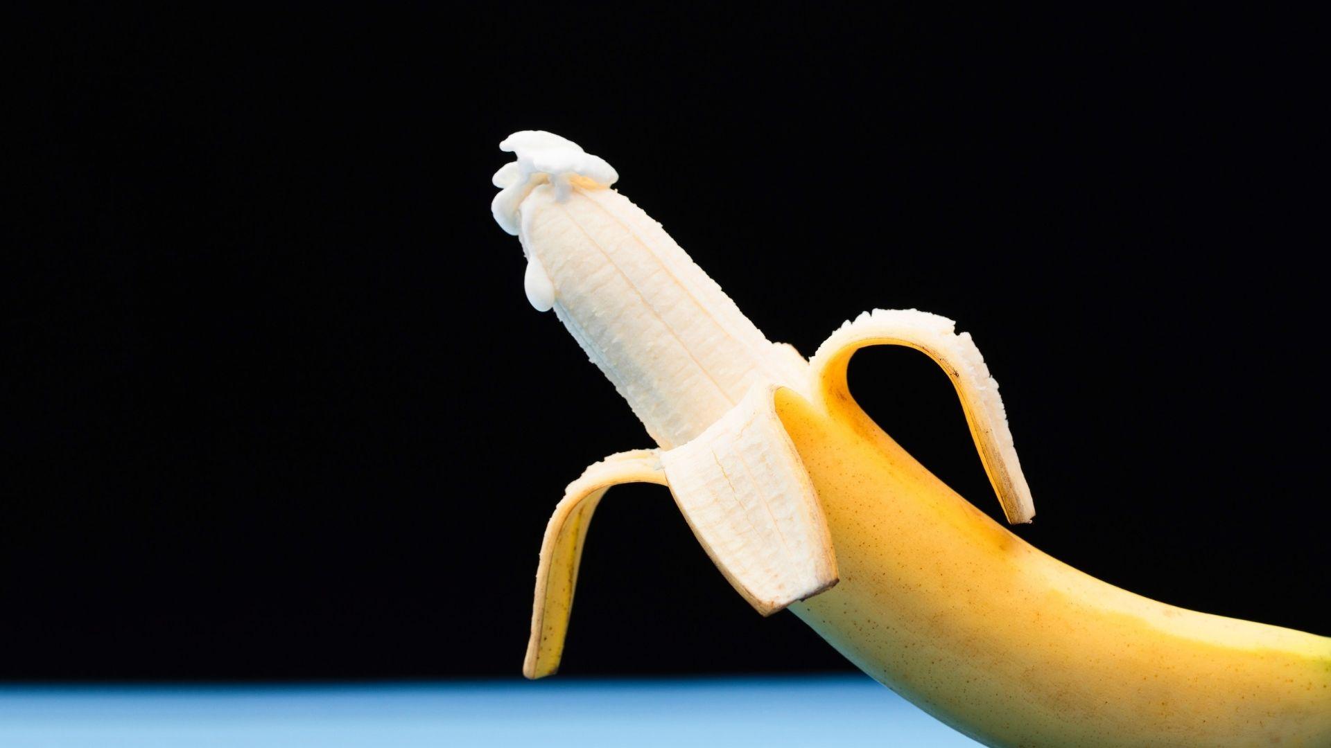 Banane – éjaculation – homme – agression