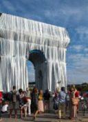 Larc-de-triomphe-empaqueté-de-Jeanne-Claude-et-Christo