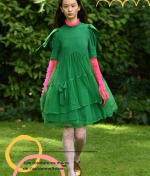 Couleur de la nature et du virtuel, le vert franc fait vibrer les vêtements
