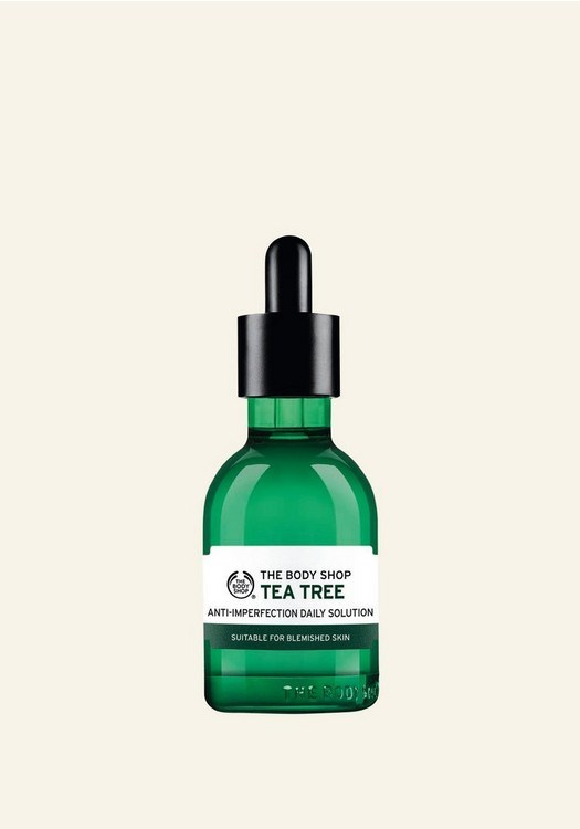 Pourquoi l'huile essentielle d'arbre à thé reste indétrônable en beauté