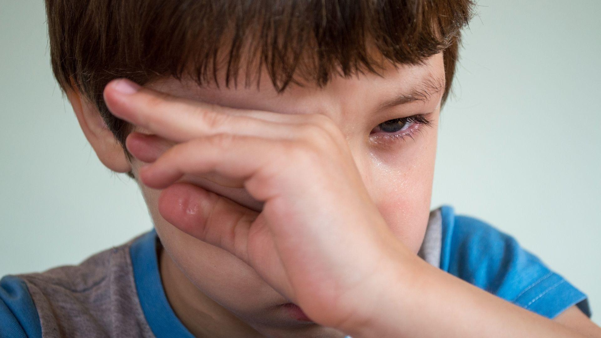Enfant qui pleure.