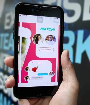 Match Tinder sur l'écran d'un smartphone