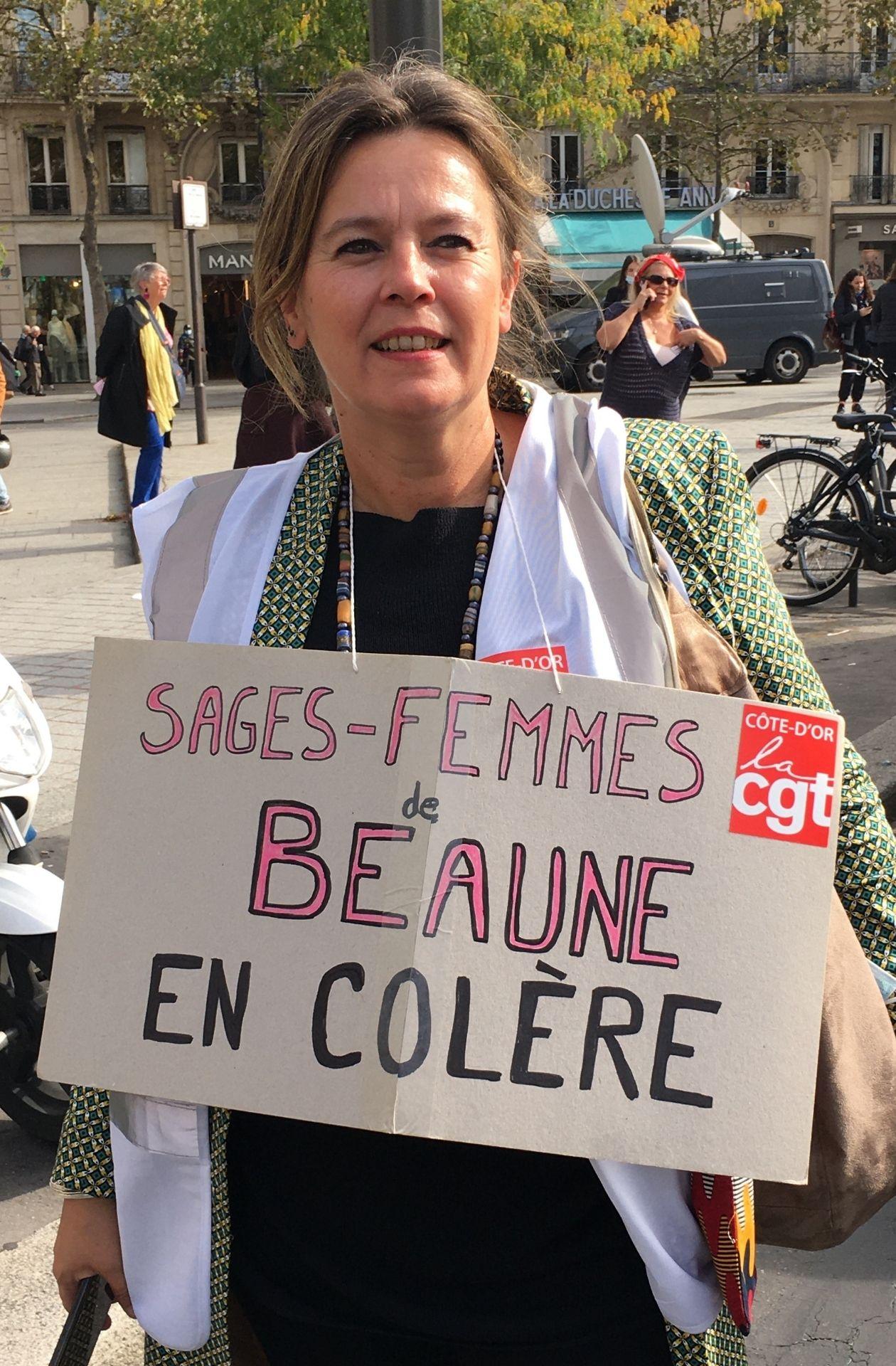 Lise, à la manifestation des sages-femmes du 7 octobre 2021 – Maëlle Le Corre