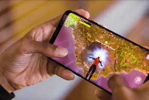 Fortnite absent du Google Play : pour lutter contre les fakes, Google affiche un message d'absence