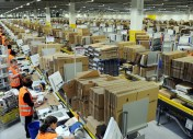 Chez Amazon, on augmente les salaires, mais on supprime les bonus